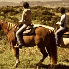horseback riding in tuscany