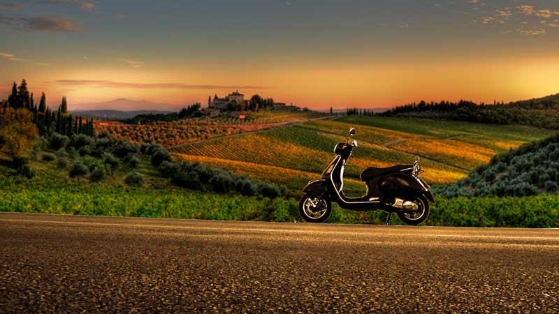 vespa wine tours in chianti classico and tuscany - tour in vespa nelle cantine del Chianti Classico con degustazione di vini