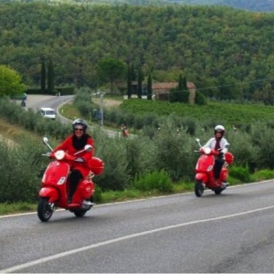 Black Rooster Vespa tour